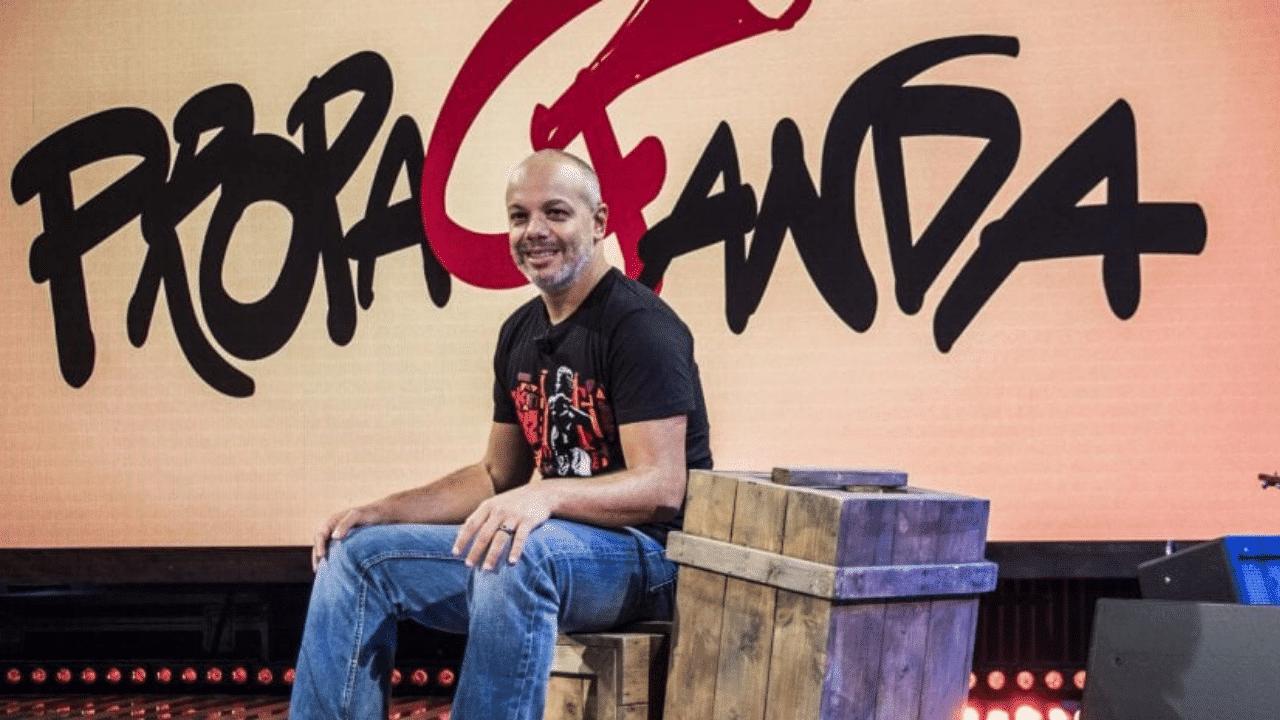 Riparte Propaganda Live, Diego Bianchi di nuovo sul palco di La7