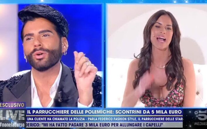 Antonella Mosetti e Federico Fashion Style litigano a Live Non è la D'Urso: 'Per colpa tua ho perso i capelli' (VIDEO)