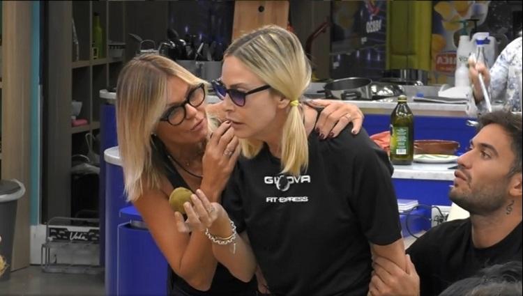 Lite super trash tra Stefania Orlando e Franceska Pepe al GF VIP 5: tutta colpa di un kiwi (VIDEO)