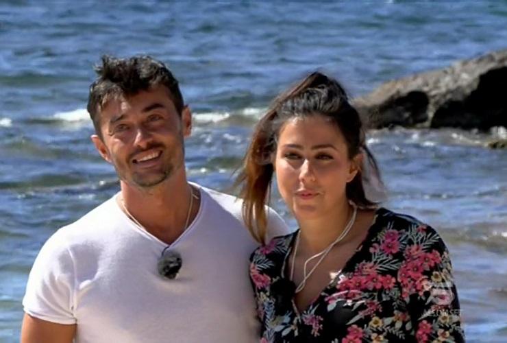 Amedeo e Sofia all'inizio di Temptation Island 2020