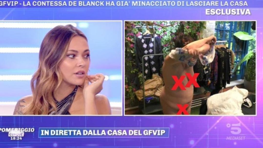 La De Blanck appare nuda in diretta a Pomeriggio 5, colpa della regia del GFVip, il video!