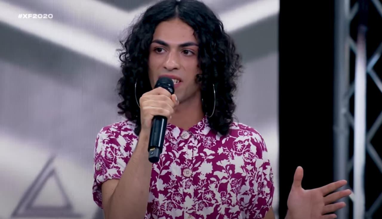 X Factor 14, Blue Phelix incanta i giudici con la sua voce e la libertà di essere se stessi (video)