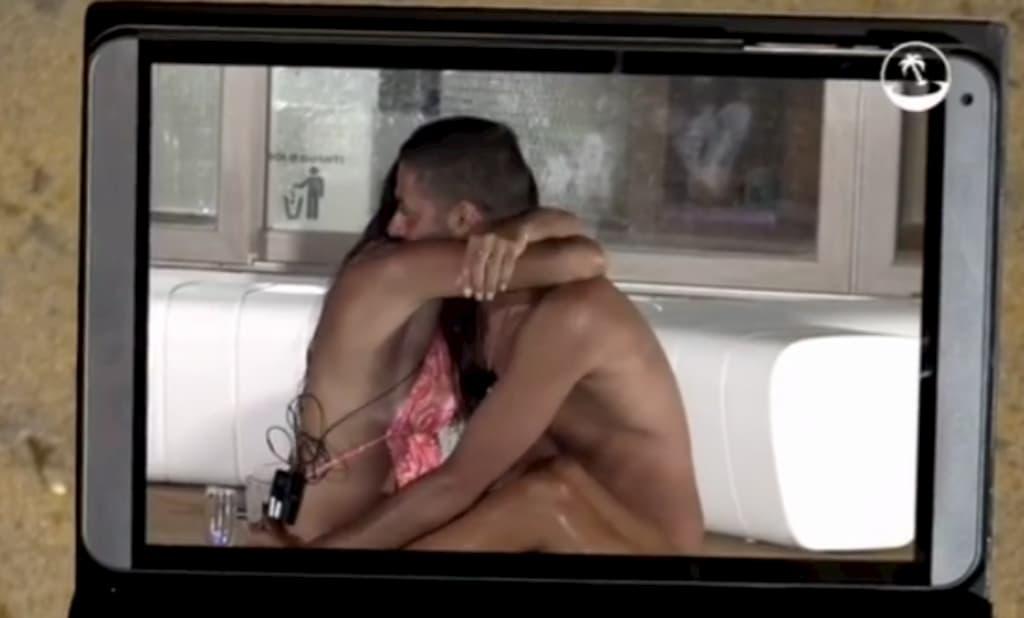 Temptation Island, Alberto e Nunzia avvinghiati in piscina tra baci e carezze proibite (video)