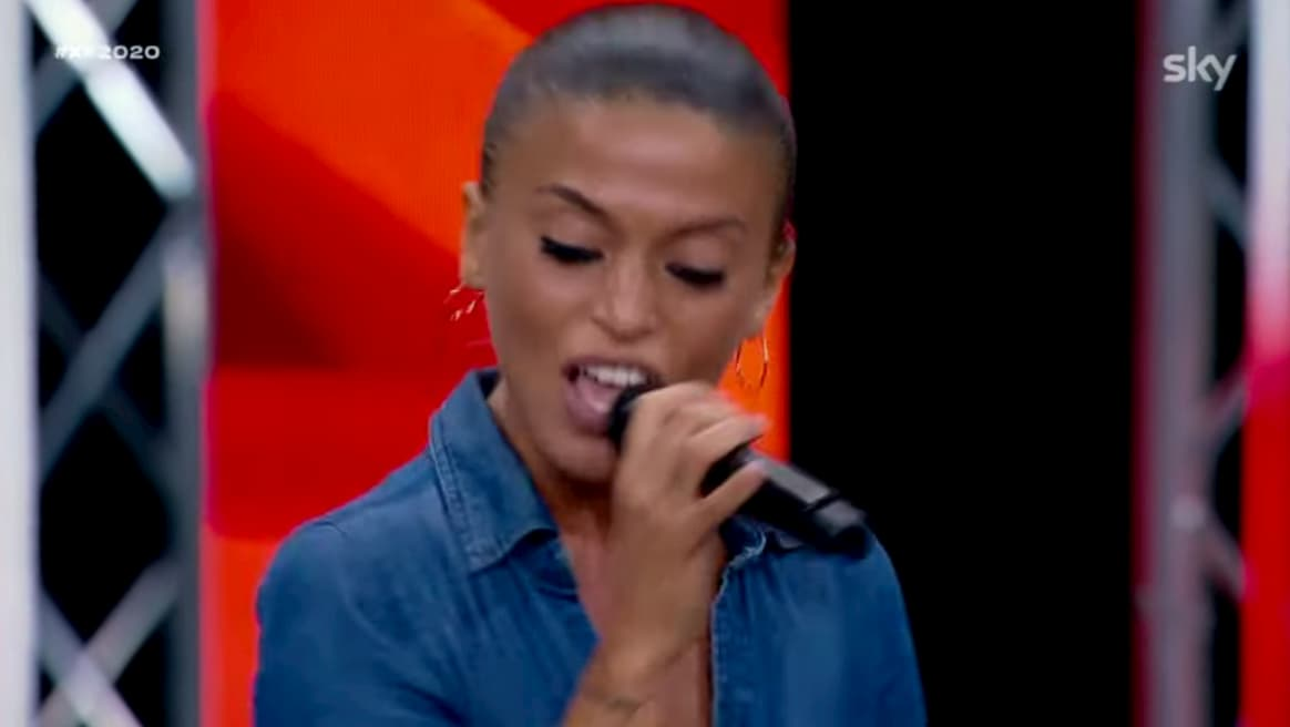 "X Factor, Eda Marì ai Bootcamp canta l'inedito ""Non sai mai"" (video)"