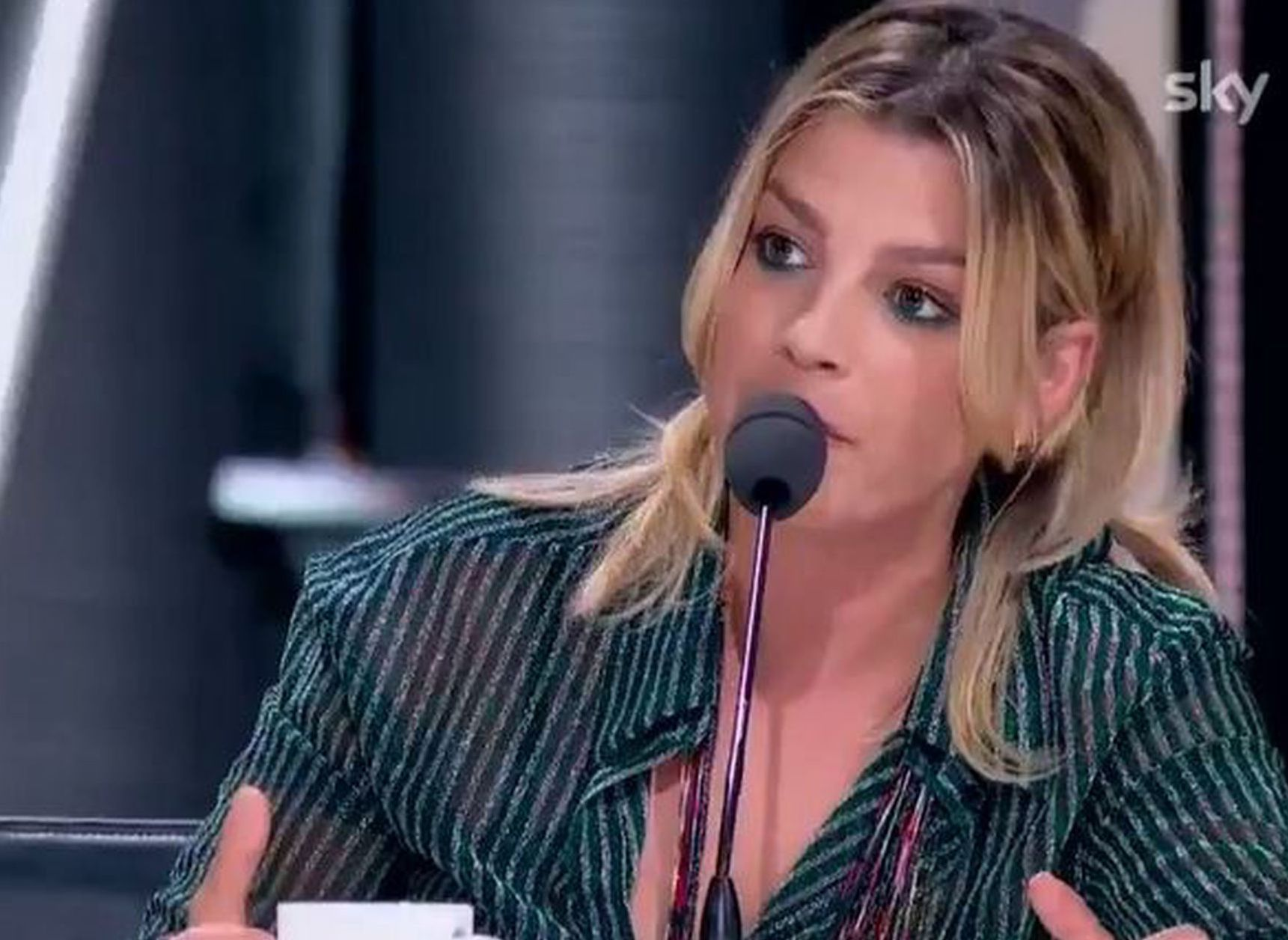 X Factor 2020: concorrente sbadiglia davanti ai giudici, Emma sbotta (VIDEO)