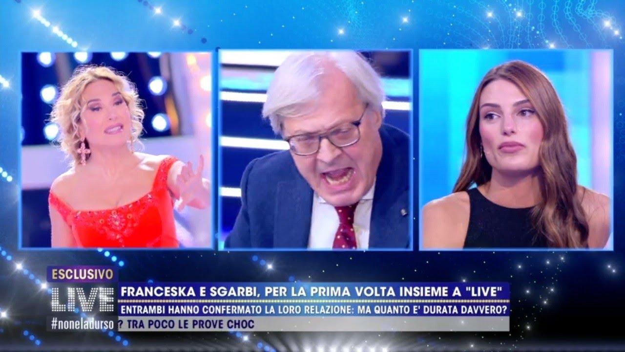 Franceska Pepe e Vittorio Sgarbi, scontro super trash a Live Non è la D'Urso (VIDEO)