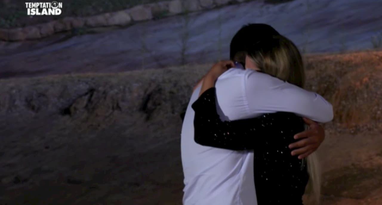 Serena e Davide lasciano Temptation Island, ma le parole della Marcuzzi fanno riflettere