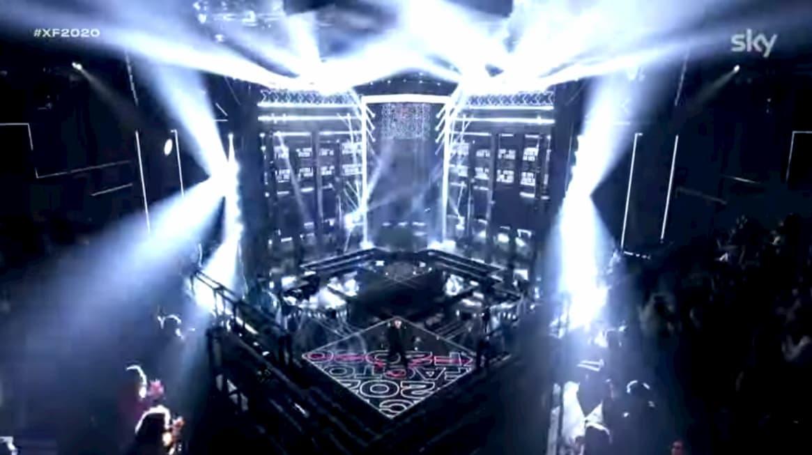 A X Factor c'è il pubblico in studio, sui social scoppia il finimondo