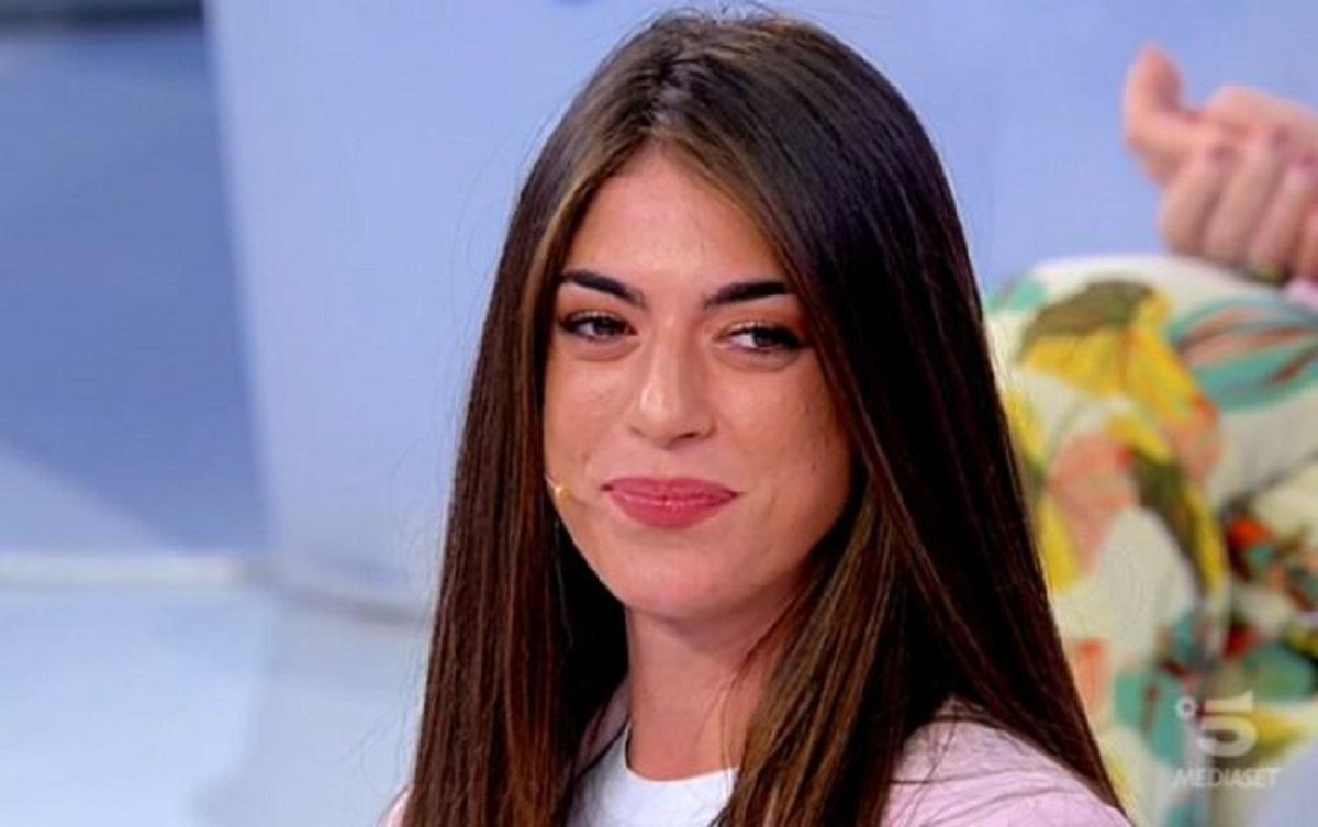 """U&D, Dalila scende per Gianluca, la De Filippi svela: """"Era la possibile tronista"""""""