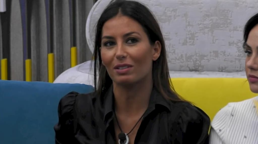 Elisabetta Gregoraci e i commenti hot su Zelletta e Pretelli scatenano i social (VIDEO)