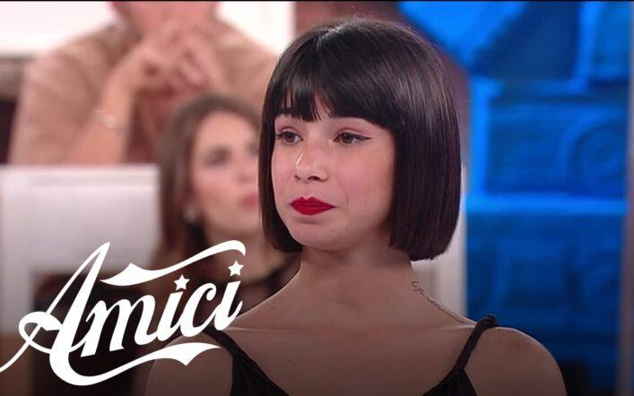 Amici 20, La Cuccarini sospende la felpa a Martina: atteggiamenti poco professionali