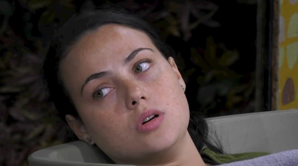 Il fidanzato di Rosalinda geloso di Dayane smette di seguirla sui social?