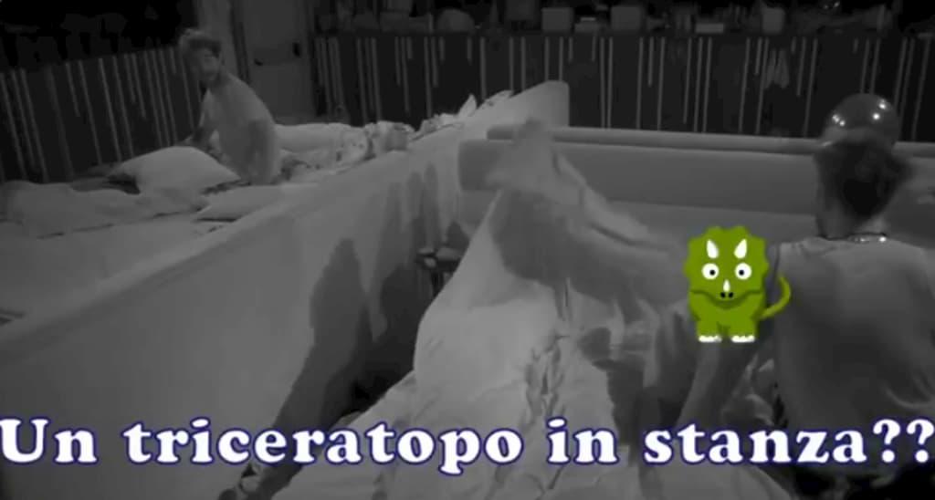 """Selvaggia Roma, una risata mostruosa: """"C'è un triceratopo in stanza?"""""""