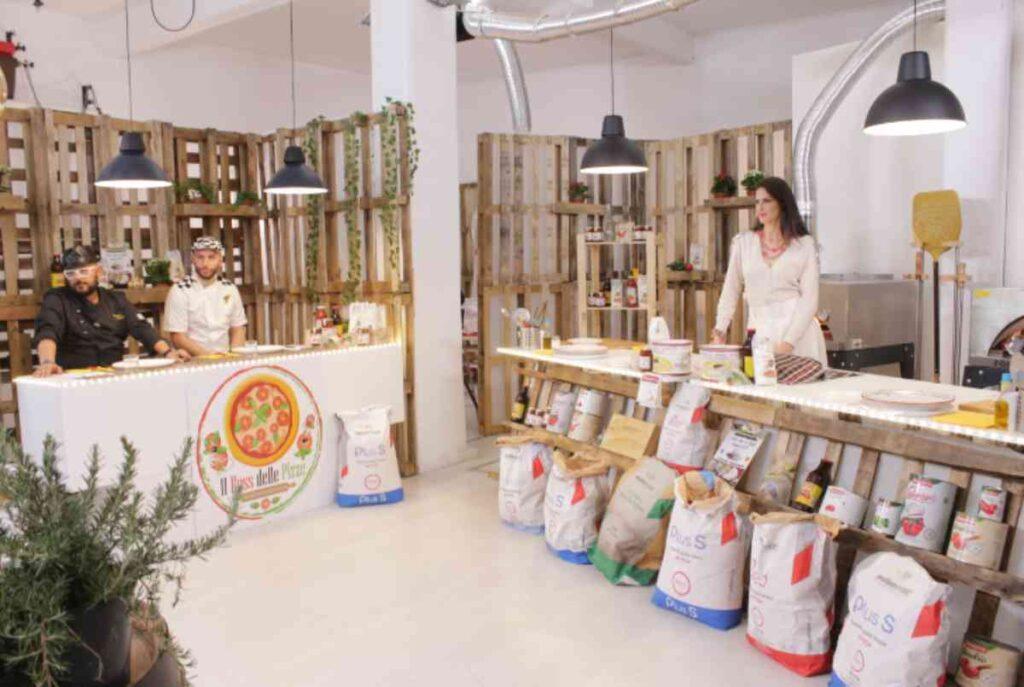 """Janet De Nardis in studio con il """"boss delle pizze"""" Luciano Carciotto"""