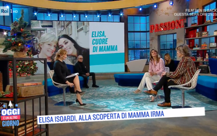 """Oggi è un altro giorno, Elisa Isoardi si racconta: """"mia mamma ha sempre creduto in me"""""""