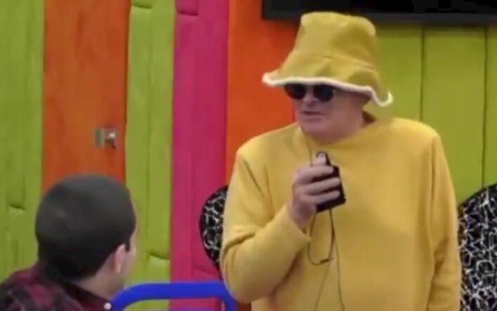 """Cristiano Malgioglio tra zitelle, banane e dintorni: """"Mi ricordo che mia nonna…"""""""