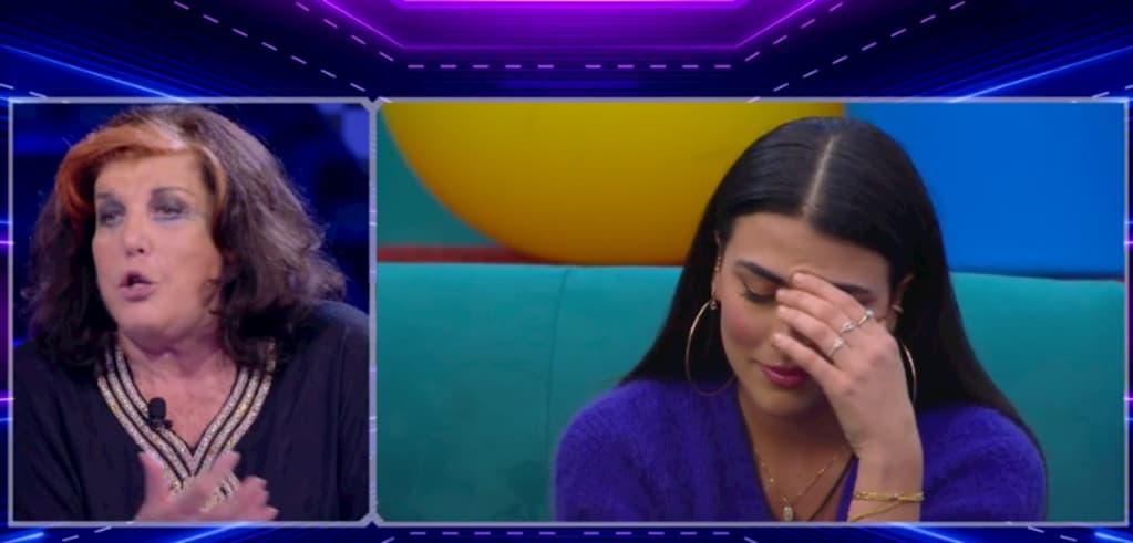 """Patrizia De Blanck attacca pesantemente Giulia in diretta e risponde a Myryam: """"Non ho detto che è una put***a"""""""