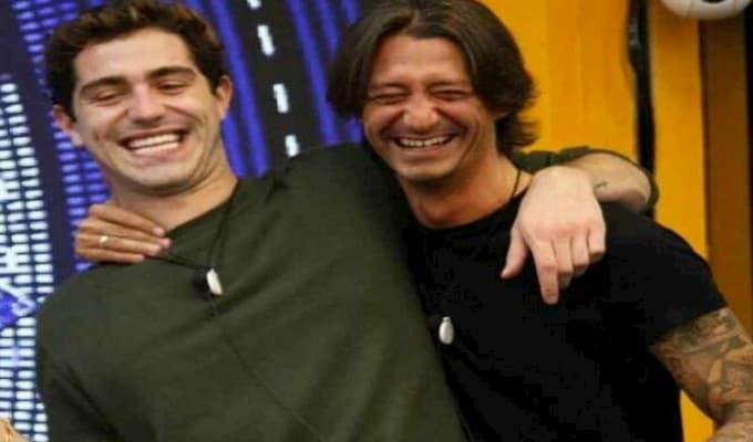 Tommaso disperato per Francesco che abbandona la casa: Alba Parietti attaccata sui social