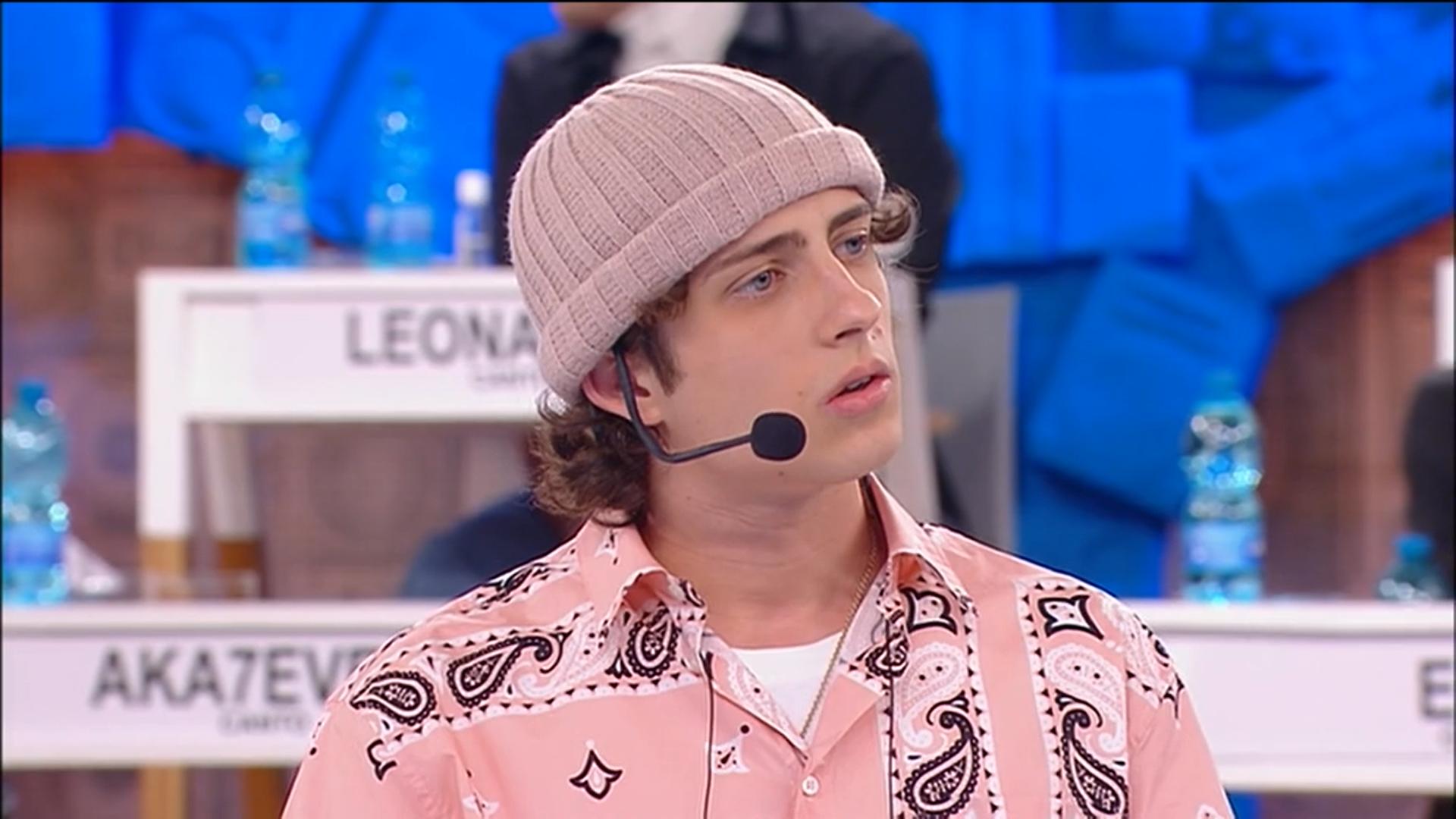 """Amici 20, caos e lite in studio tra Sangiovanni, Rudy e la produzione: """"ma di cosa parliamo?"""""""