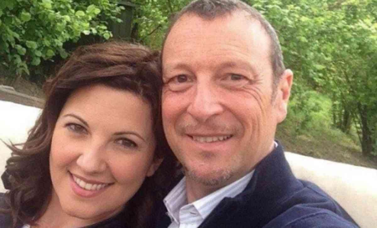 Sanremo 2021, al fianco di Amadeus anche la moglie Giovanna Civitillo?