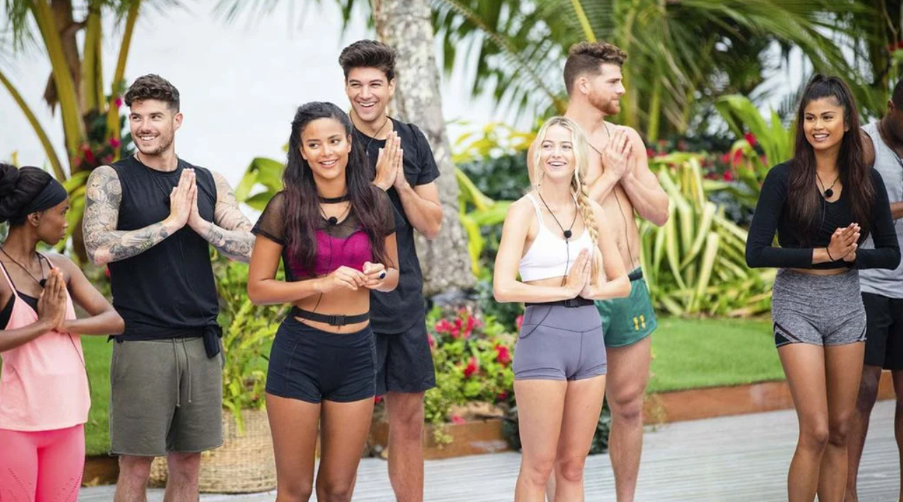 Love Island, nuovo reality show in arrivo su Real Time: c'è una conoscenza di Maria De Filippi