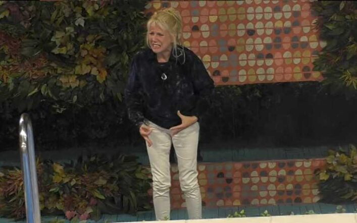 Maria Teresa Ruta si arrabbia al GFVip5: va in crisi, urla «basta!» e piange