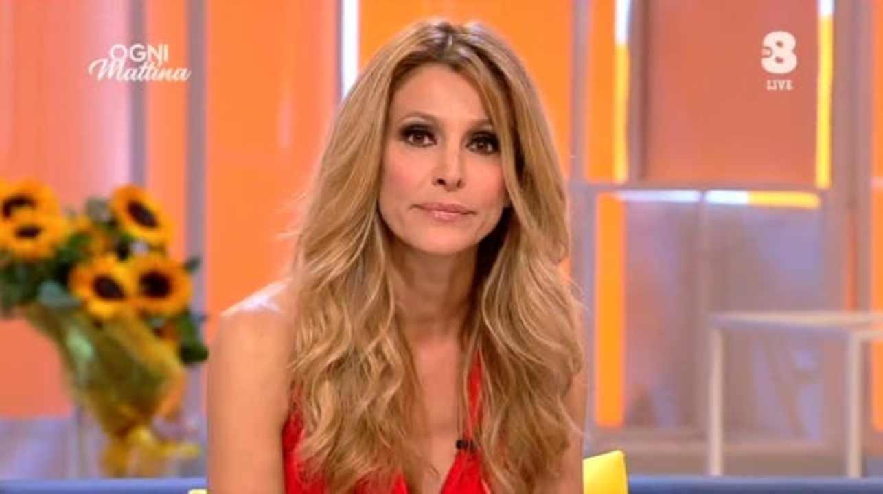 """Ogni Mattina, Adriana Volpe appena inizia la puntata chiede scusa: """"Non doveva succedere e quindi … """""""