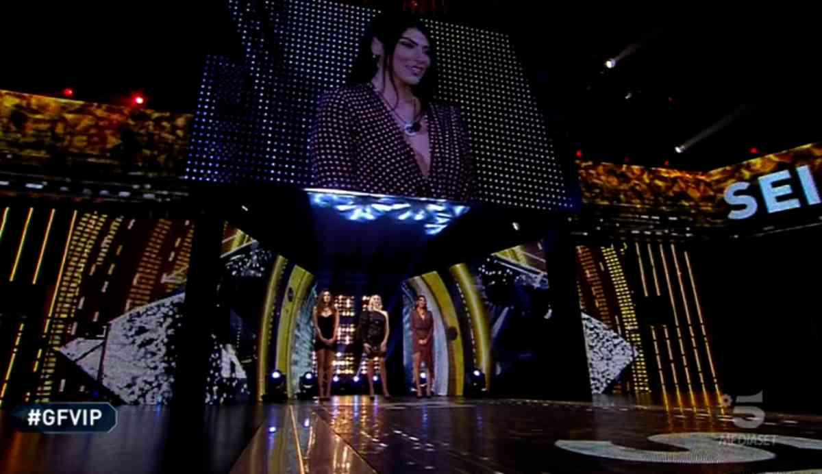 Grande Fratello Vip 5, quando andrà in onda la finale e chi è la prima finalista del reality