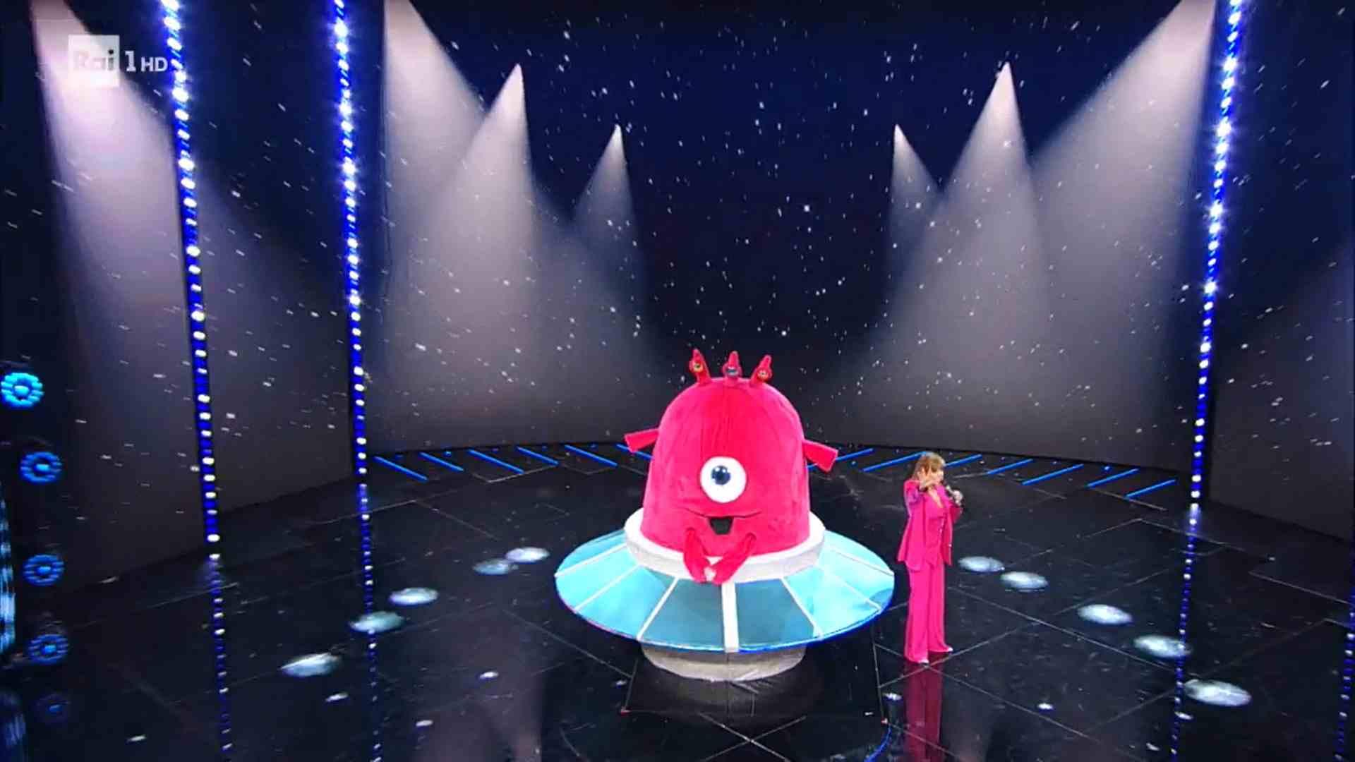 Il Cantante Mascherato, puntata 5 febbraio: eliminato Baby Alieno. L'identità