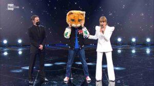 Il gatto è stato il primo eliminato nella puntata del 19 febbraio de Il Cantante Mascherato