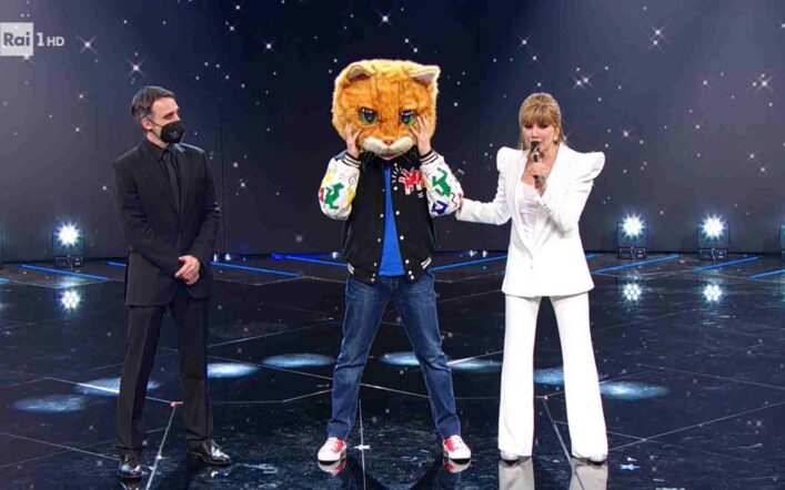 Il Cantante Mascherato, quarta puntata 19 febbraio: eliminato il Gatto, chi è