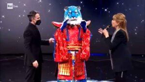 La tigre azzurra è stata eliminata nella terza puntata del 12 febbraio de Il Cantante Mascherato