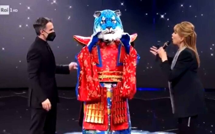 Il Cantante Mascherato, puntata 12 febbraio: eliminata Tigre Azzurra. L'identità
