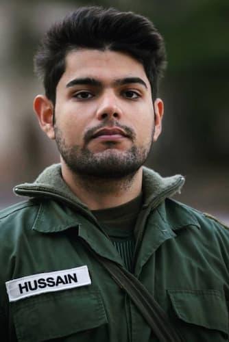 Omar Hussain concorrente La Caserma