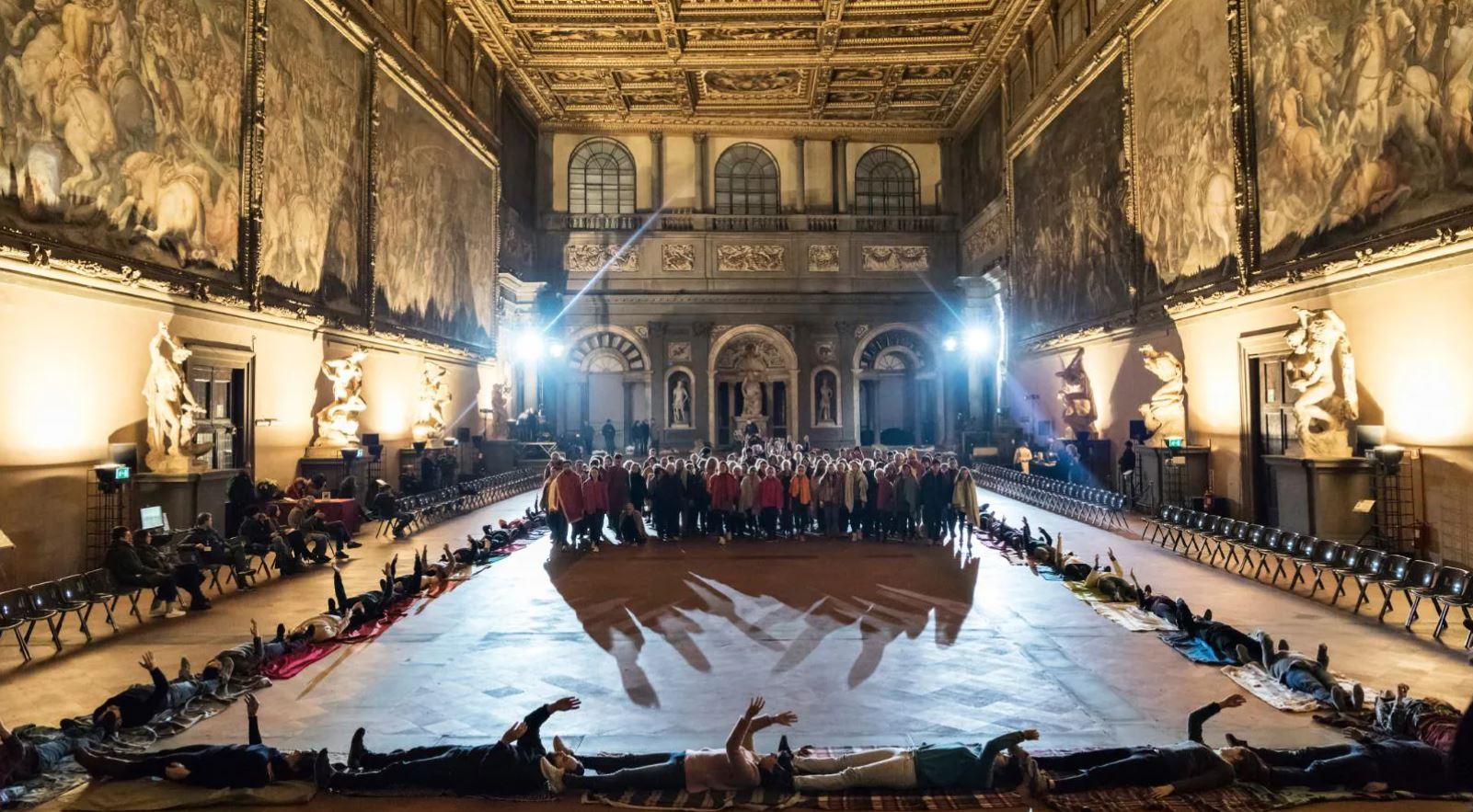 La Divina Commedia diventa un ballo: domani su Rai 5 si omaggia Dante