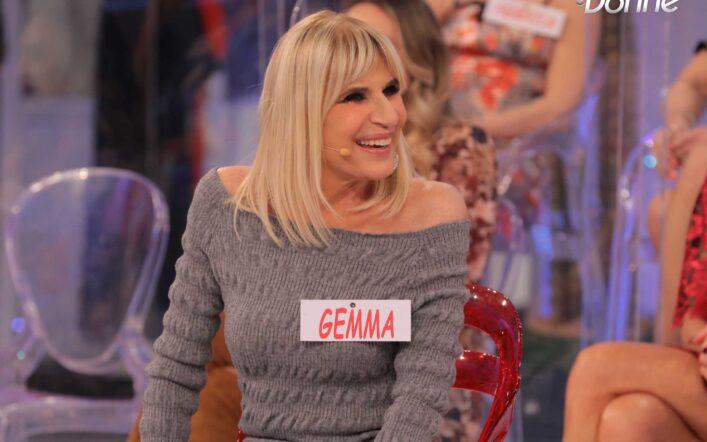 Uomini e donne, Gemma casca dalle scale, Maria: 'Sanguini'
