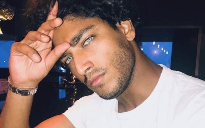 Akash Kumar, il modello dagli occhi di ghiaccio naufrago de L'Isola dei famosi